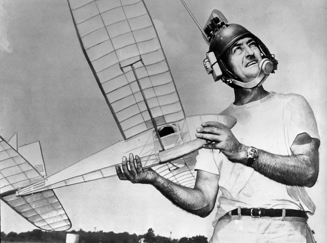 Jim Walker with experimental Glider